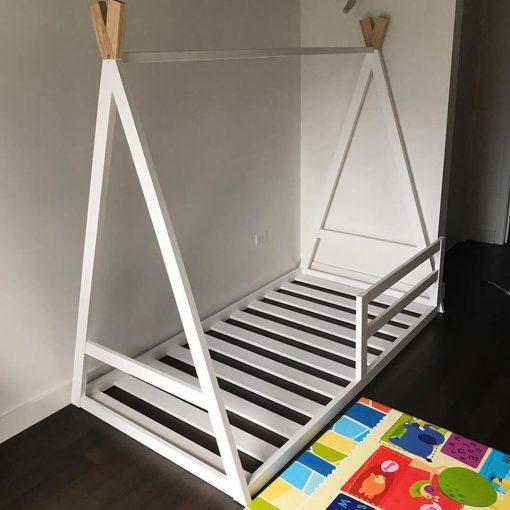 MY33 - 80X180 cm Üçgen Başlıklı Çatılı Montessori Yatak